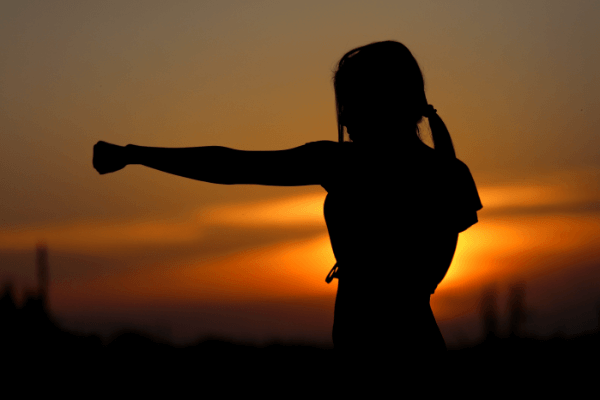 lady-shadow-boxing-in-sunset